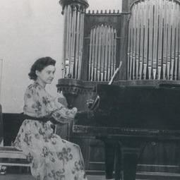 """Festivalul Internațional """"George Enescu"""", ediția I, 1958. Recital Maria Fotino. George Enescu - Sonata I op. 24 în fa diez minor pentru pian"""